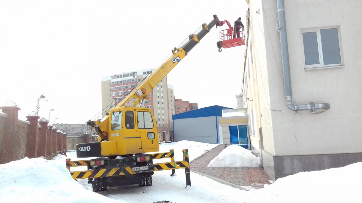 Монтаж освещения зданий от 100 руб м.п.