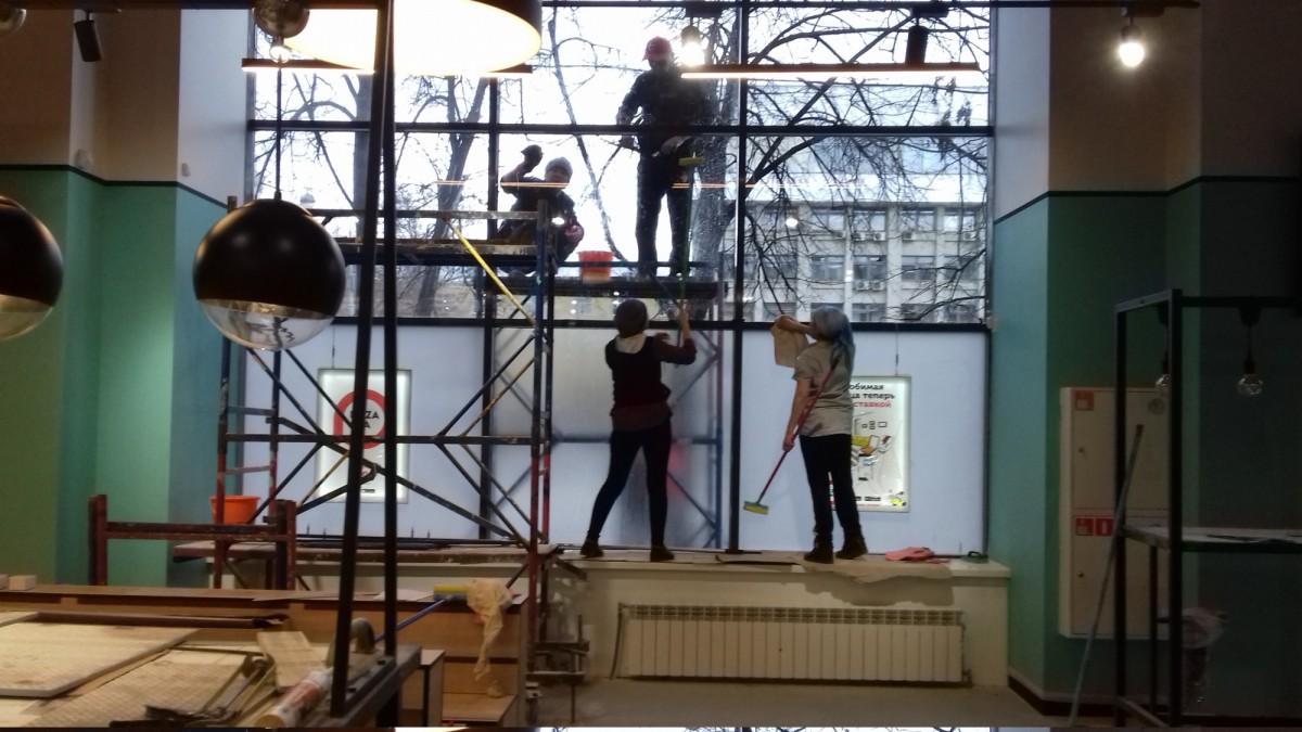 Мытье стеклопрозрачных конструкций от 100 руб м2