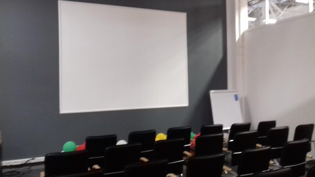 """сервисный центр """"DOCKE"""" по ул.Черняховского, капитальный ремонт от 8 000 р./ м2"""