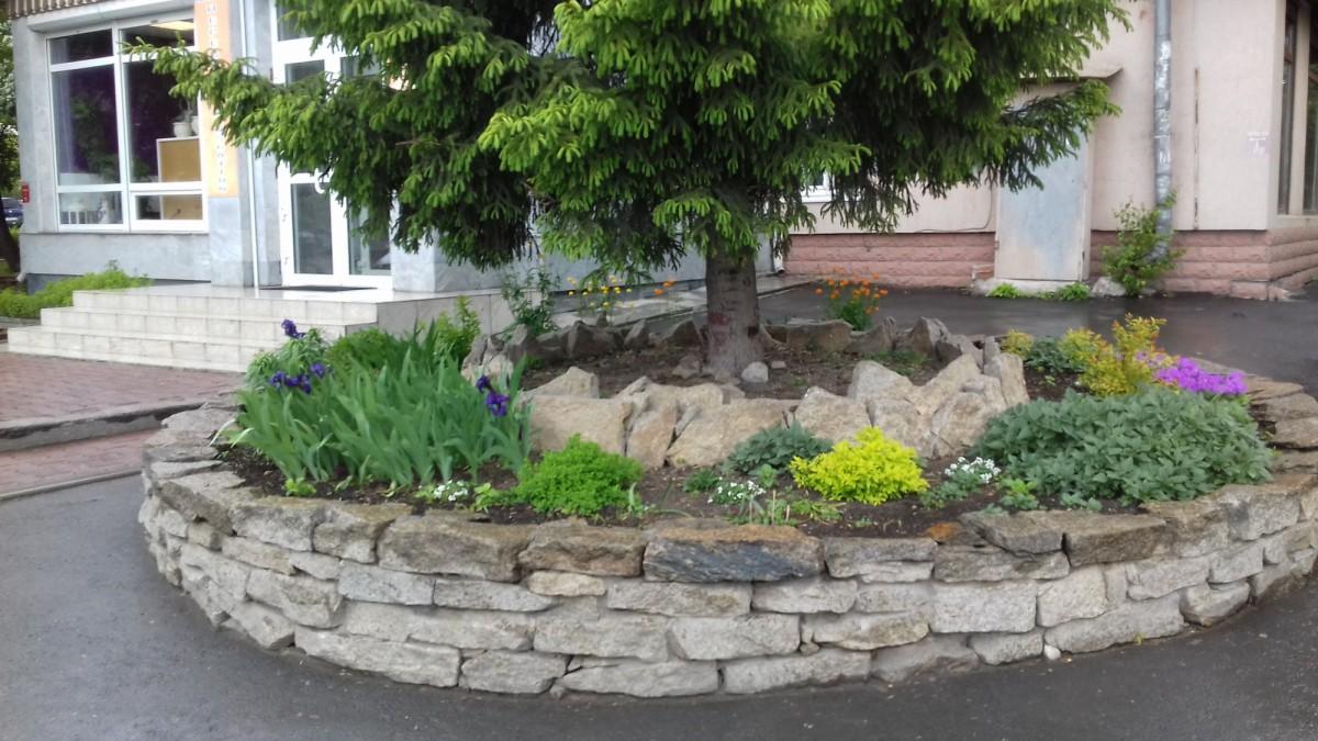 Монтаж подпорных стенок из камня - особенности строительства